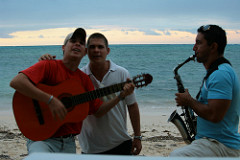musicians at playa guardalavaca